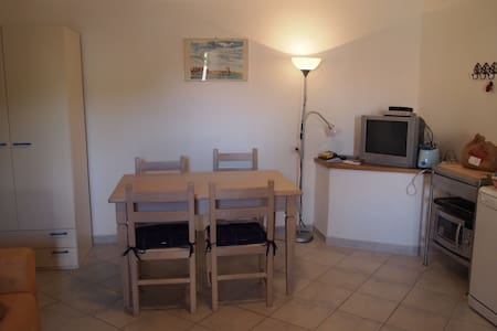 bilocale san pasquale 3/4 persone centro paese - San Pasquale - Appartement