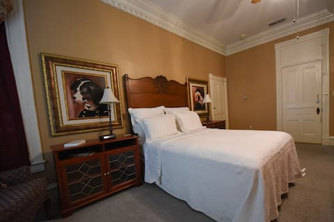 The Pecan Room at Historic Trotter Hosue