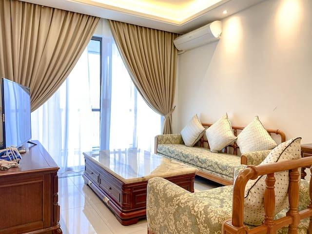 R&F 2BR Luxury New Furnish near CS, SgCIQ by UHA