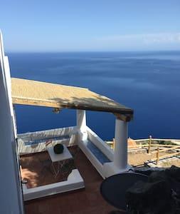 Casa Pigna Blu. Alicudi. Aeolian Islands - Alicudi Porto - Villa