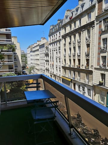 Charmant studio  au pied du cimetière Montmartre