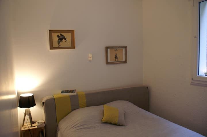 Petit appartement à 10 min à pied de st Goustan