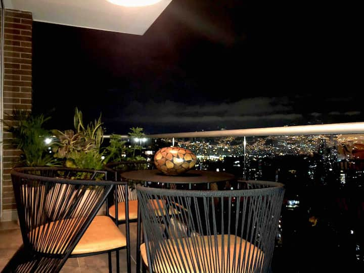 Amazing View of Medellín! Exclusive Suite