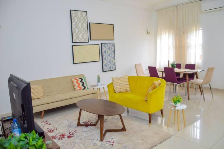 """Appartement """"3 Pièces"""" Beau Design"""