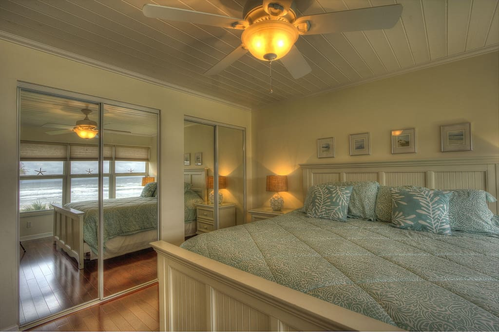 Sliding glass doors bring the ocean into your room!