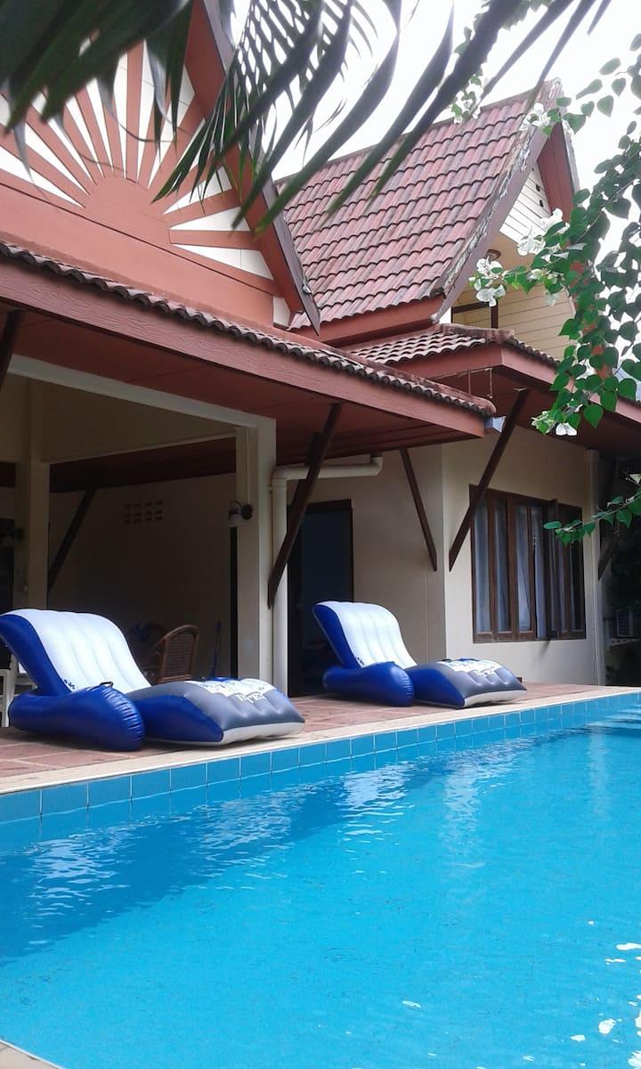 Chambre idépendante dans villa