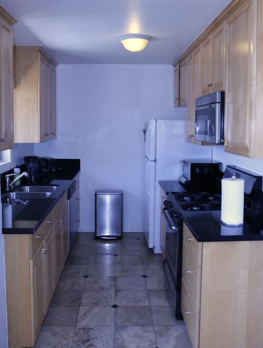 West Hollywood 2 Bedroom 2 Bath With Parking Apartments For Rent In Los Angeles California