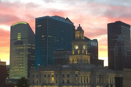 Roomy loft with great views! - Des Moines - Flat