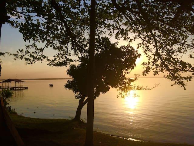 Rancho Pé no Lago