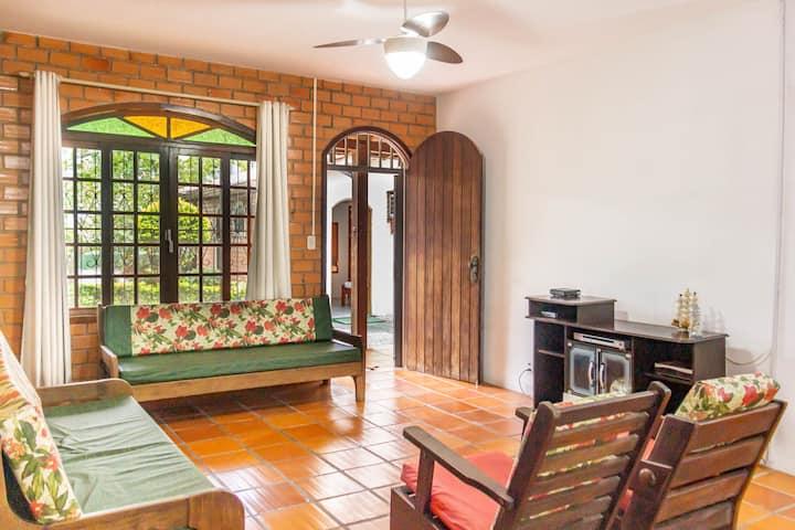 Casa Canasvieiras, Grande Jardim, 6 hóspedes, 260m da Praia