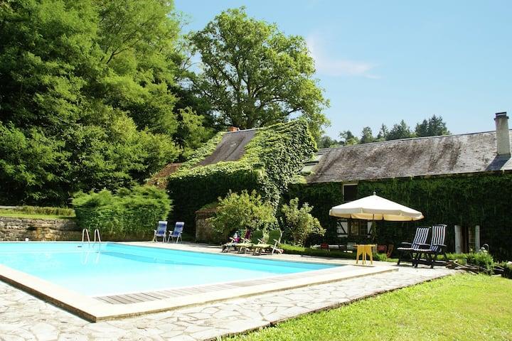 Maison de vacances avec piscine privée en Bourgogne, France