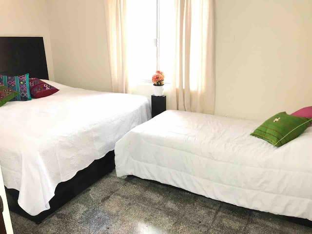 Habitación privada sin baño.