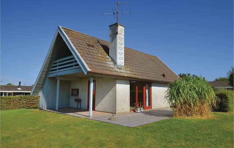 Holiday cottage with 2 bedrooms on 102 m² in Assens
