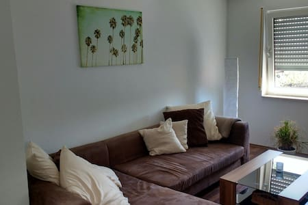 Helle Wohnung am Fuße der Schwäbischen Alb - Lägenhet