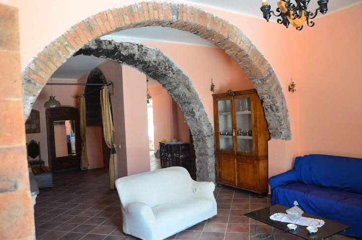 House between Etna's Volcano and Taormina's sea