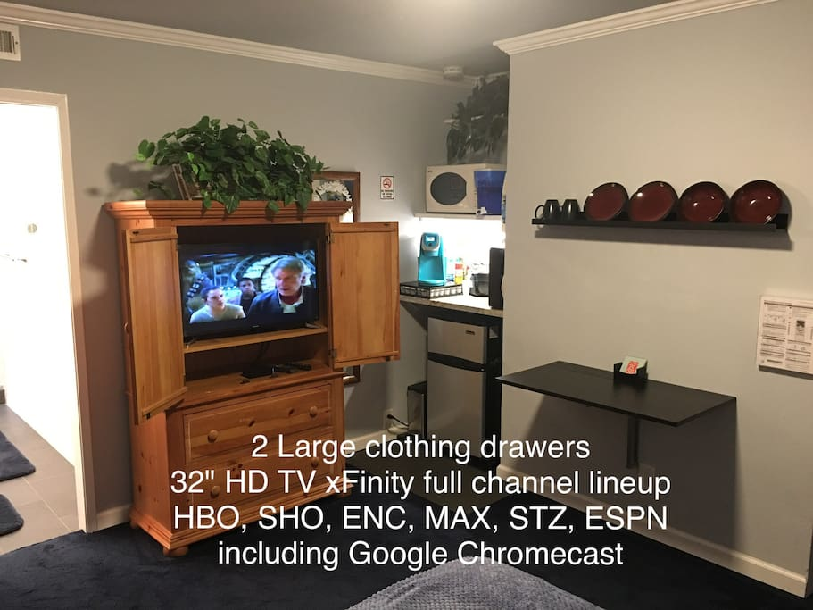 "Entertainment center 32"" HD TV Xfinity full channel lineup, HBO, SHO, ENC, MAX, STZ, ESPN, including Google Chromecast."