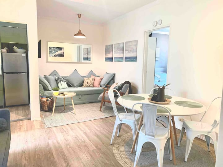 Relaxed coastal living in renovated beach pad!