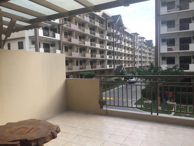 Arista Place,near Airport T1-T4 - Manila - Apartamento