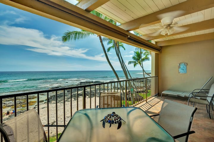 Chic Oceanfront Condo w/ Full Ocean Views, Shared Pool & Hot Tub, and Free WiFi!