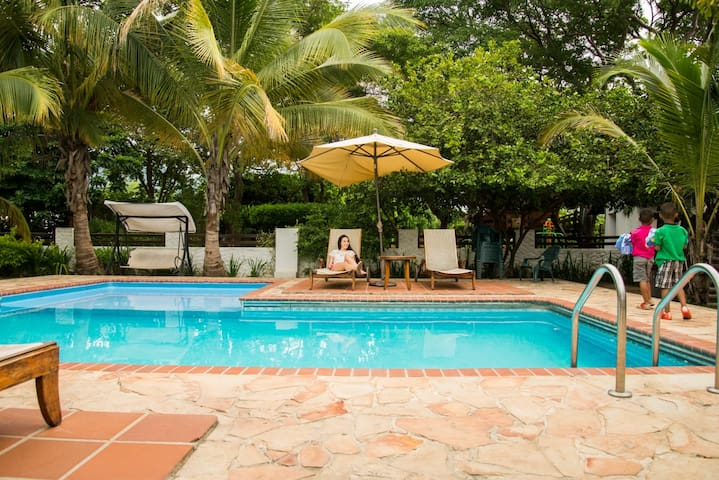 Hotel Campestre Rancho Regis - Valledupar - Bed & Breakfast