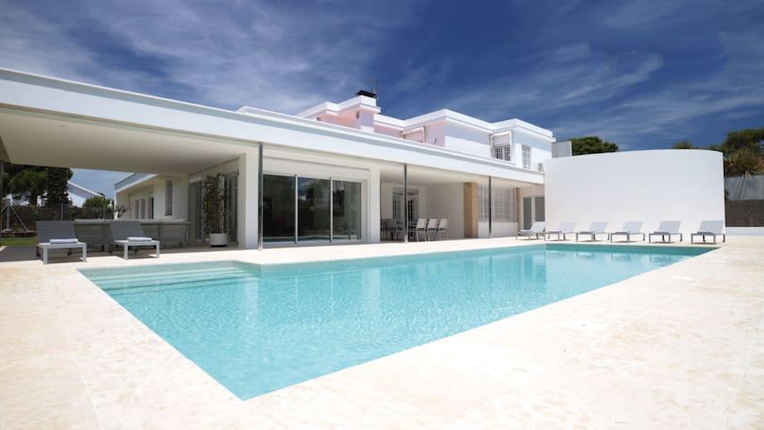 Villa Paradise by Glasir