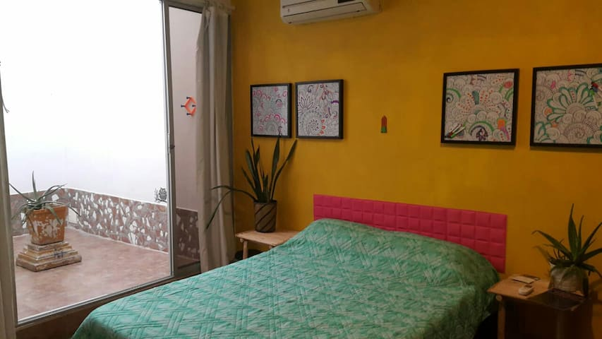Summer special 25% off room near walled city