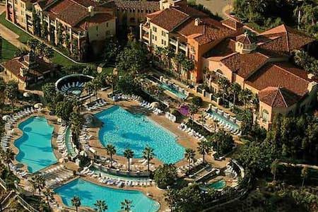 Summer Relaxing at Marriott Newport Coast - Newport Beach - Bungalo