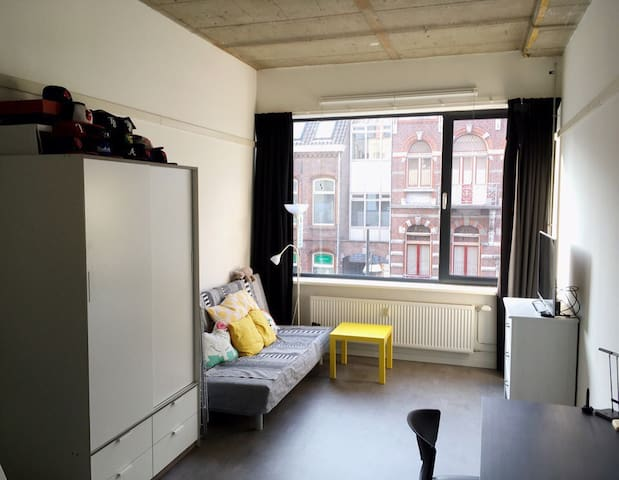 Bright & cozy studio with mezzanine - Venlo - Appartement