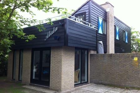 Vrijstaand vakantiehuis op Texel - De Cocksdorp - Casa