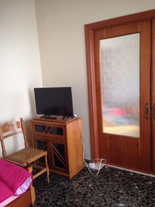 Door to living room - δωμάτια