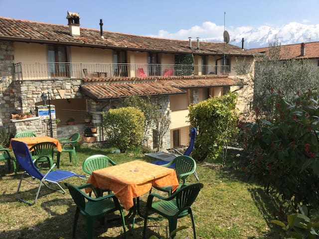 CASA RITA - APARTMENT 4 LAKE GARDA - Tremosine - Huoneisto