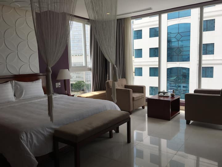 Lotus Suite - Right in the heart of Saigon