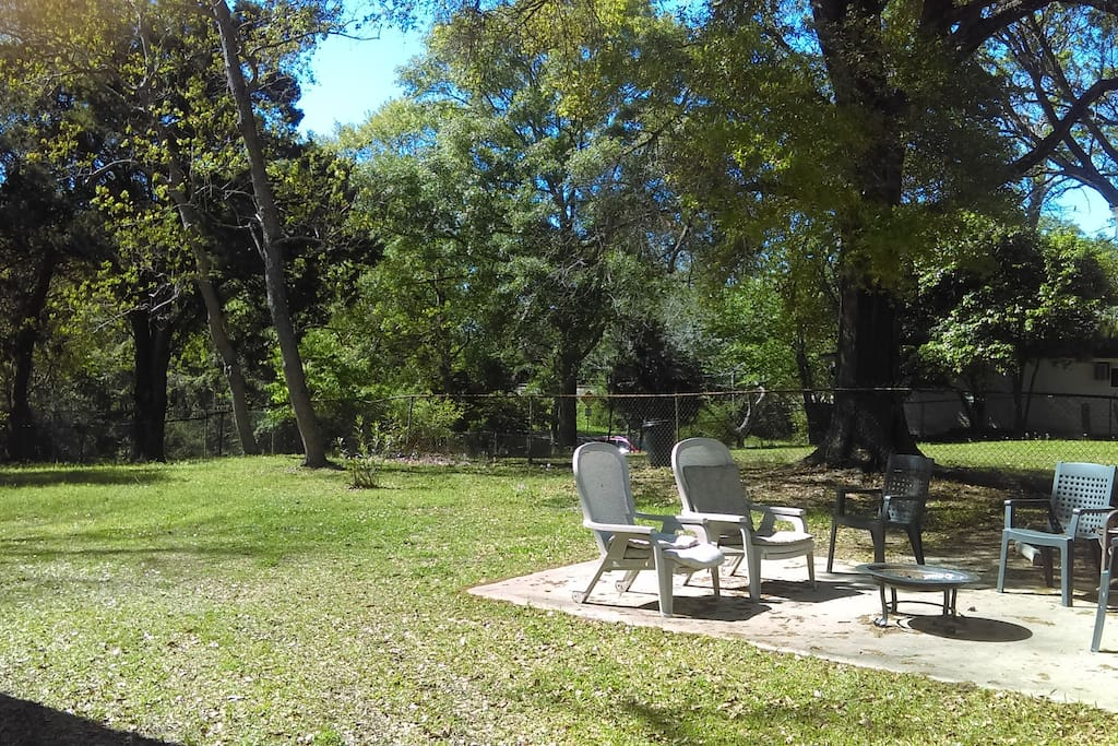 Perfect for family get togethers in this huge back yard!
