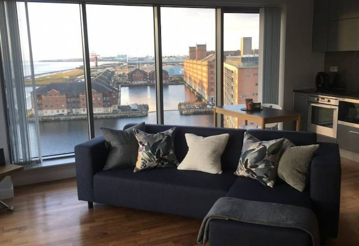 Waterfront/City centre - Private double & bathroom