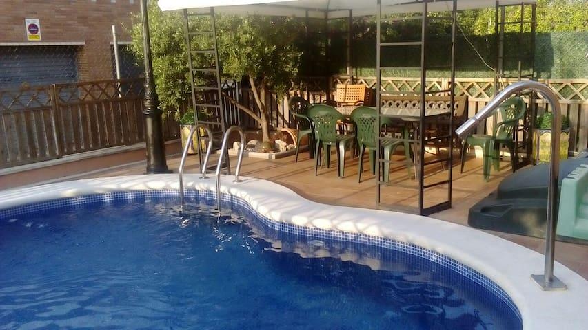 Casa actual con piscina. - Calafell - Dom