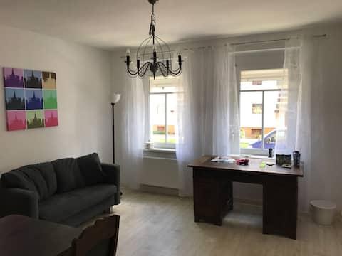 D14 - Nette autarke Wohnung in schönem Altbau