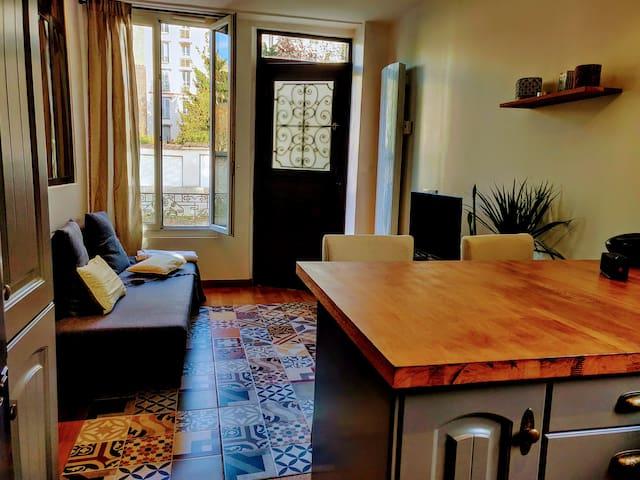 Un salon spacieux pour vous détendre