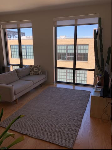 CORKTOWN - 1 BEDROOM FOR RENT! Close to Hospitals
