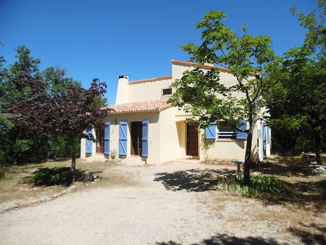 Villa sleeps 7,  pets allowed - Plan-d'Aups-Sainte-Baume - วิลล่า