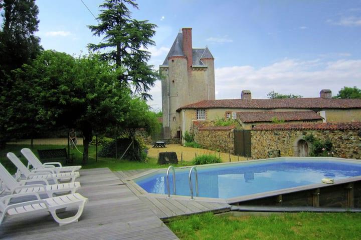 Hermosa mansión con piscina en Saint-Paul-du-Bois
