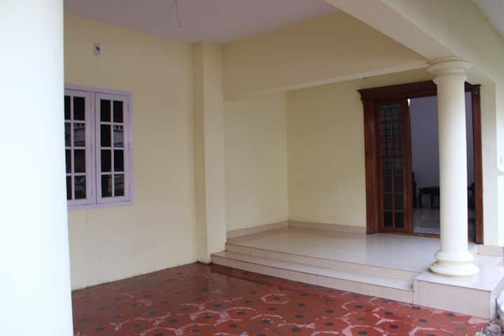 """Pushpalaya"" homestay in the heart of Thrissur."