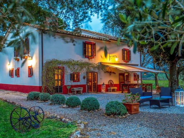 """Borgovera Tuscany Vacation """"Capalbio Room"""""""