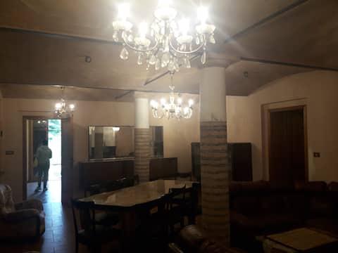 Grande casa in Via Zappellazzo 12 a Gattatico(RE)