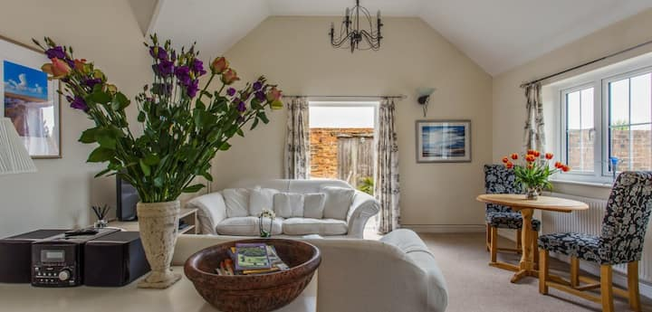 Dairy Cottage , in walking distance to Rye