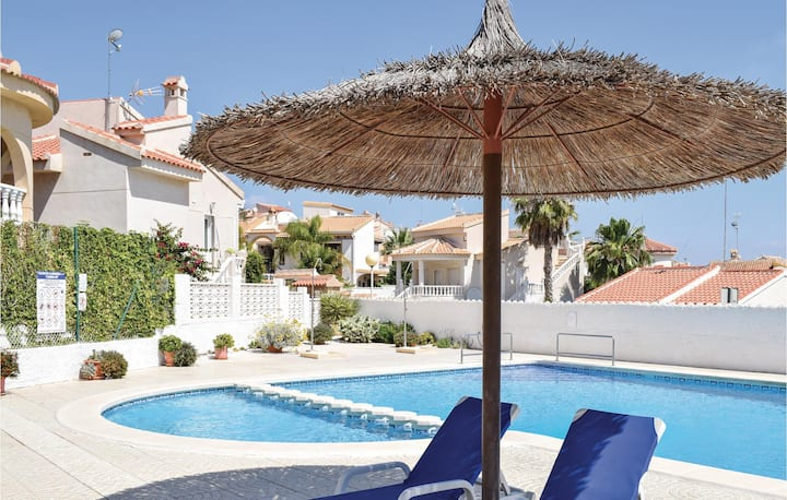 Nice home in Rojales with WiFi, Outdoor swimming pool and 2 Bedrooms