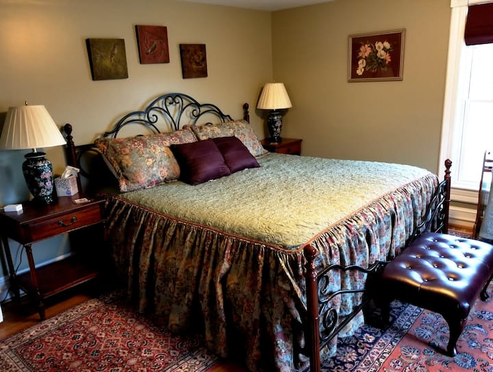 Room #1: King size bed, TV,  Private bath/shower