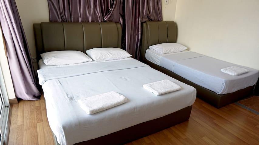 Sabah KK Triple Room with Balcony 沙巴亚庇三人房/家庭房(带阳台)