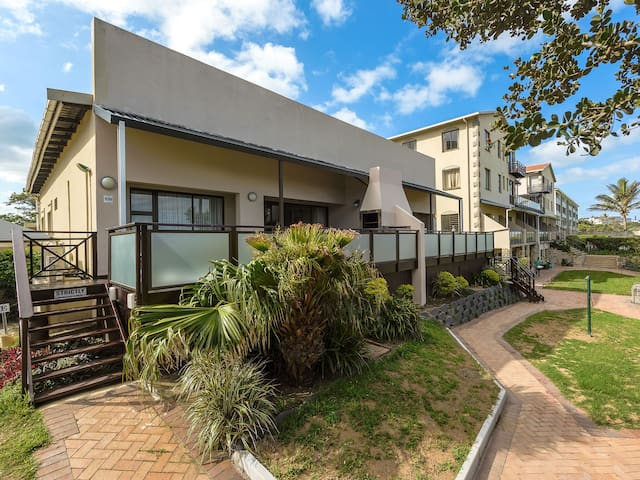 Margate Beach Club - Three Bedroom Apartment