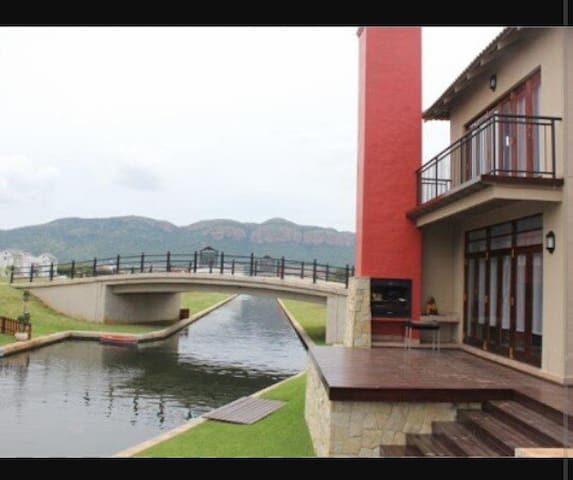 Miami living - Hartbeespoort - House
