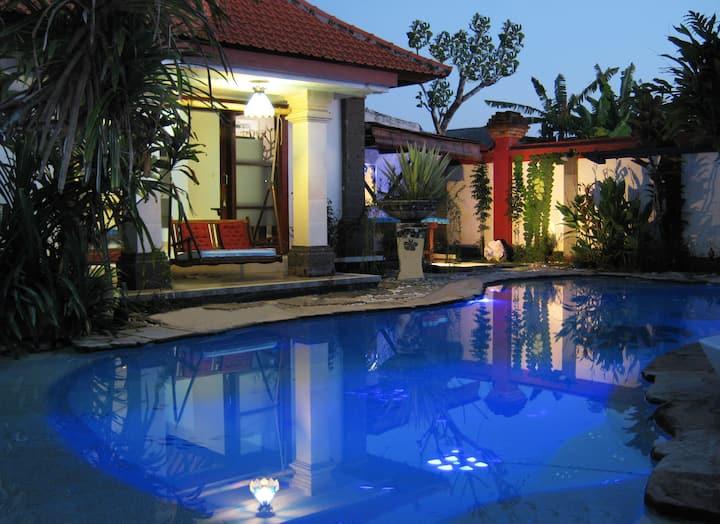 Ariel bungalow in Sanur; an artistic escape.